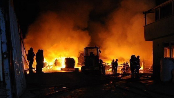 Hindistan'da havai fişek fabrikasında yangın - Sputnik Türkiye