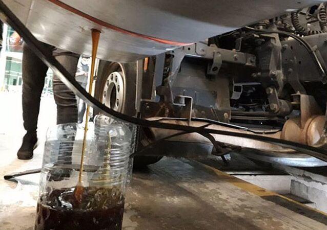 Sarp Gümrük Kapısı'nda, TIR'ın yakıt deposundan 480 kilo bal çıktı