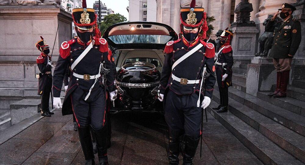Arjantin'in başkenti Buenos Aires'te eski Devlet Başkanı Carlos Menem için cenaze töreni düzenlendi.