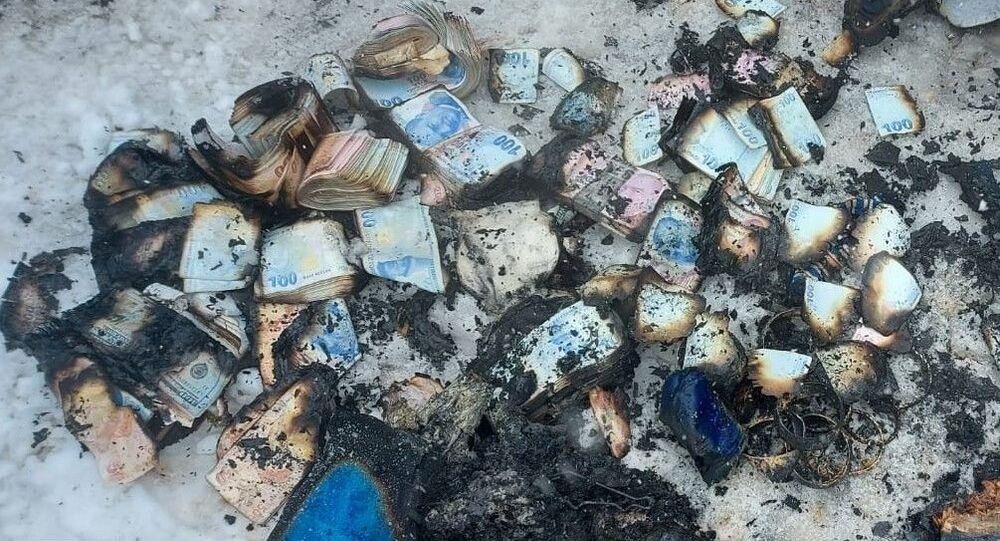 Prefabrikte yangın çıktı: 500 bin lira ve binlerce liralık altın kullanılamaz hale geldi