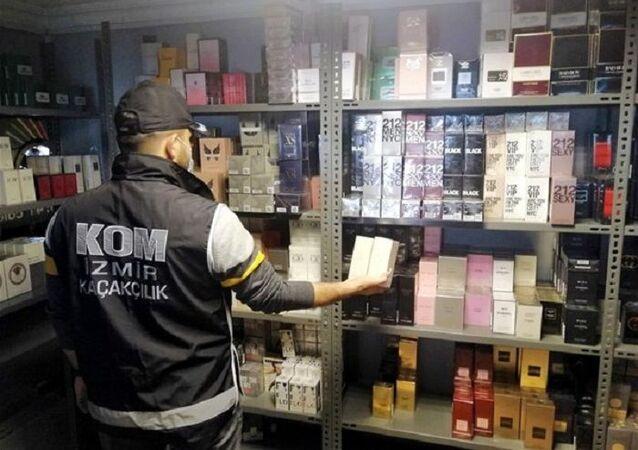 İzmir'de kaçak parfüm, Buca