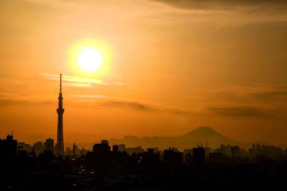 Japonya'nın başkenti Tokyo'nun günbatımı manzarası