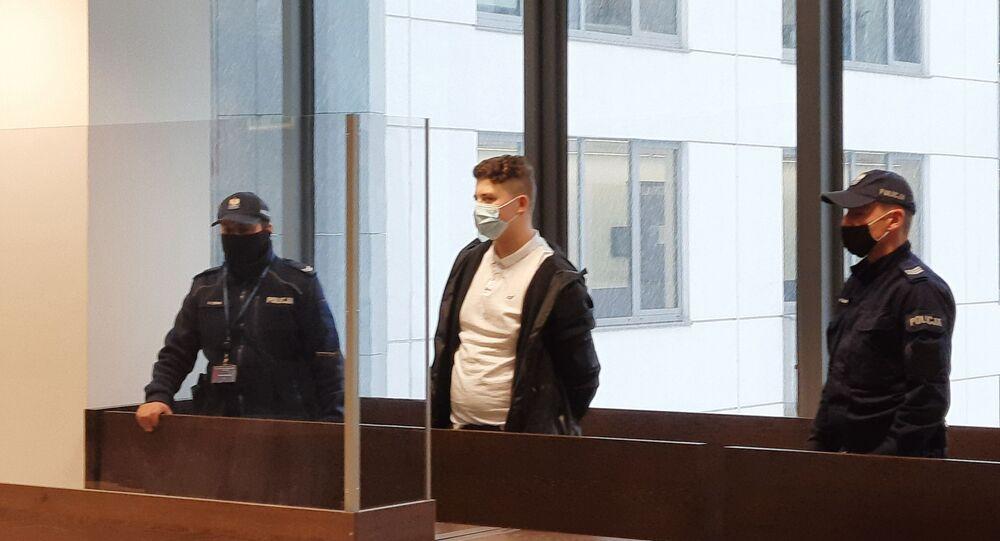 Polonya'da 16 yaşındaki Türk çocuğu öldüren katile 25 yıl hapis