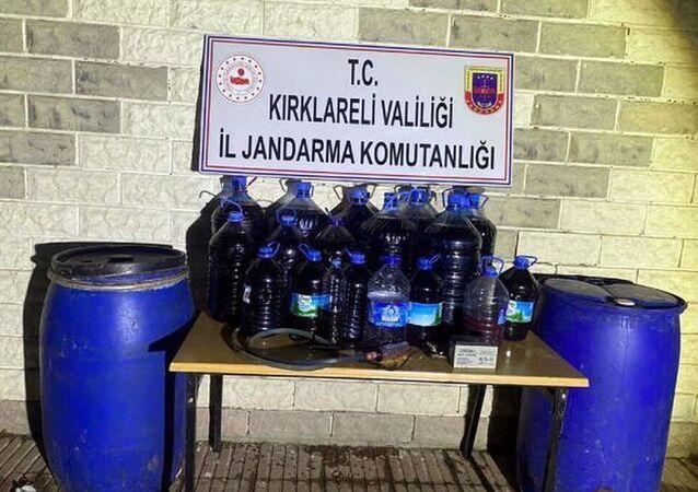 Kırklareli'de 900 litre sahte içki ele geçirildi