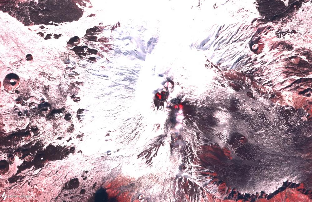 Etna Yanardağı'nın volkanik faaliyeti, uzaydan da görüntülendi