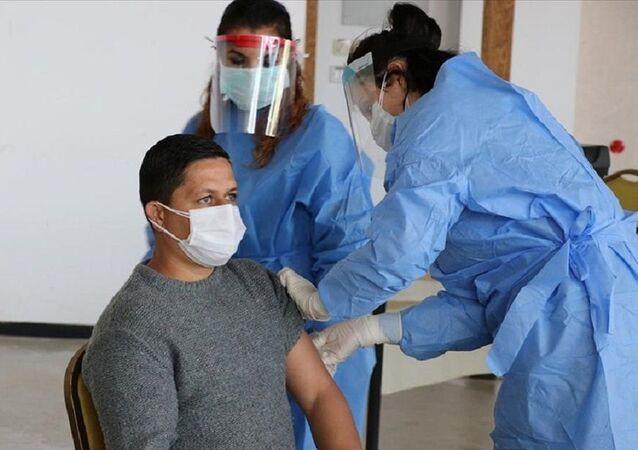 Kuzey Kıbrıs'ta basın mensuplarına Kovid-19 aşısı yapıldı