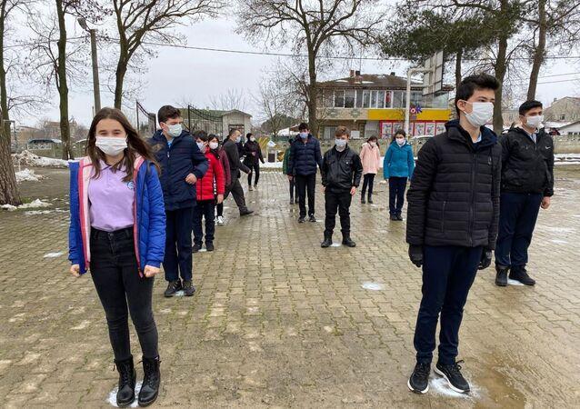 yüz yüze eğitim, koronavirüs, Silivri Beyciler Mukaddes Sönmez İlkokulu ve Ortaokulu