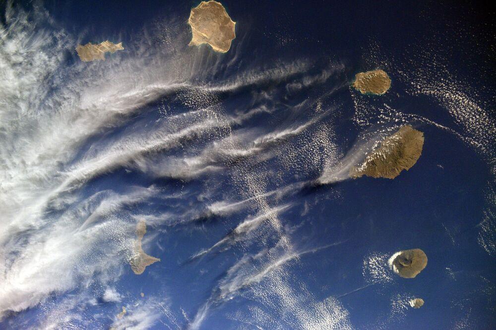 Atlas Okyanusu'nda, Senegal ve Moritanya açıklarında bulunan Cape Verde takımadalarının uzaydan görüntüsü