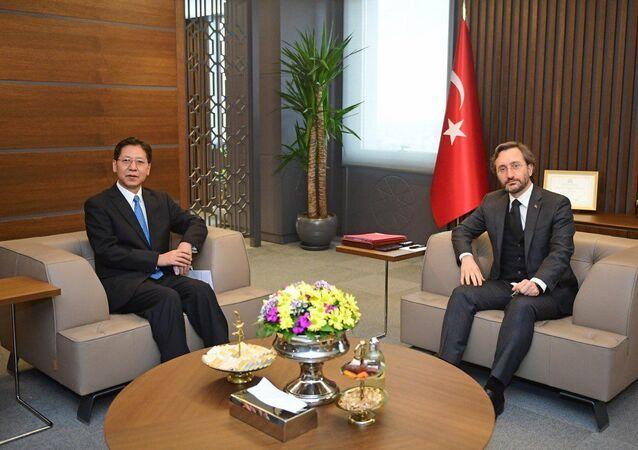 Cumhurbaşkanlığı İletişim Başkanı Fahrettin Altun, Çin Halk Cumhuriyeti Ankara Büyükelçisi Liu Shaobin ile bir araya geldi.