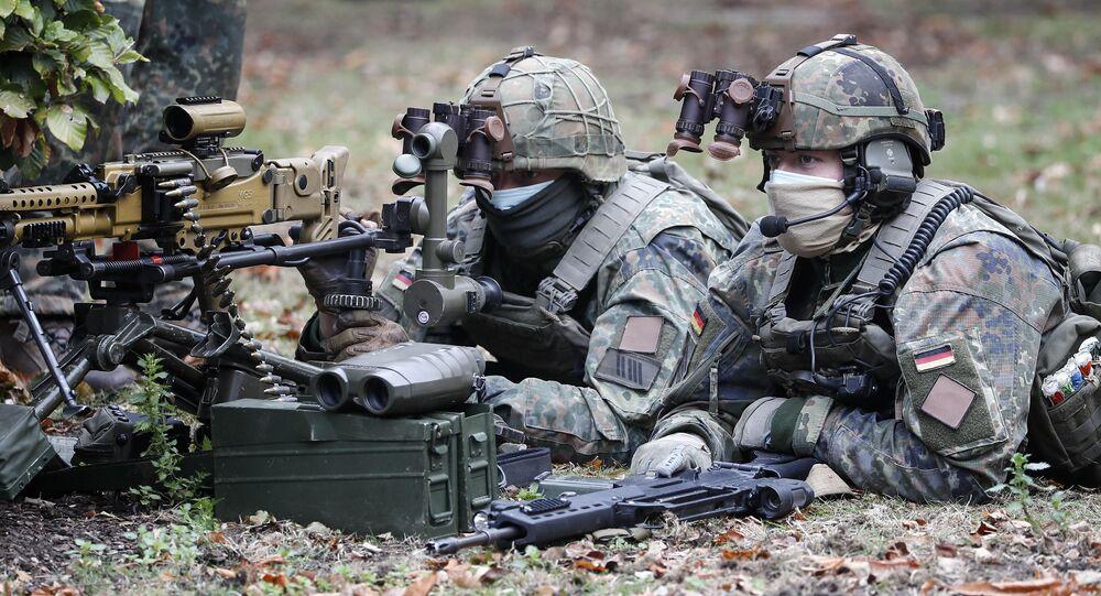 ABD'de tatbikat yapan Alman askerleri 'terörist' diye FBI'a ihbar edildi