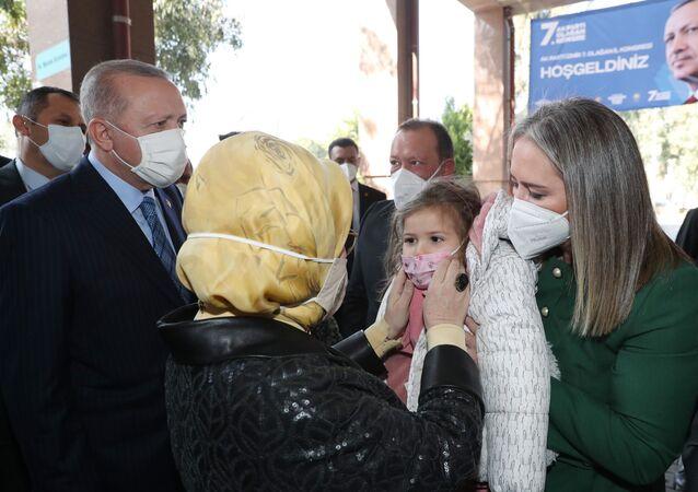 Cumhurbaşkanı Erdoğan ve Emine Erdoğan Ayda bebek ile görüştü