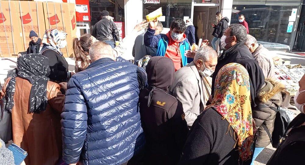 Kırıkkale'de maske izdihamı