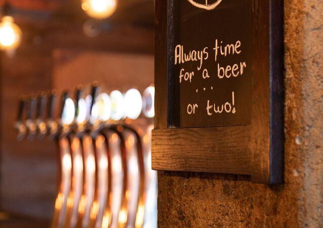 Bira- Pub- Bar