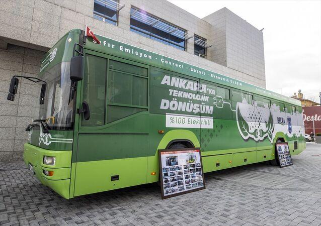 Ankara Büyükşehir Belediye Başkanı Yavaş, elektrikliye dönüştürülen ilk otobüsü tanıttı
