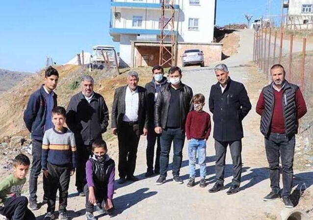 725 nüfusu olan Aksöğüt köyünde imam hariç herkesin soyadı aynı
