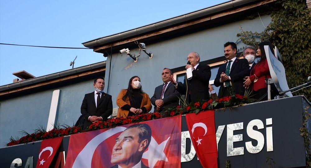 CHP Genel Başkanı Kemal Kılıçdaroğlu, Aksaray programları kapsamında Saratlı Beldesini ziyaret etti.