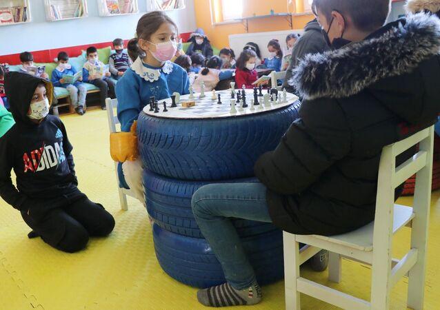 Aksaray'da Şehit Recep Bozdağ İlkokulu, sıfır atık projesi, kütüphane