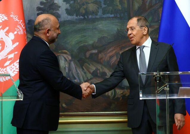 Rusya Dışişleri Bakanı Sergey Lavrov, Afganistanlı mevkidaşı Muhammef Hanif Atmar ile ortak basın toplantısında