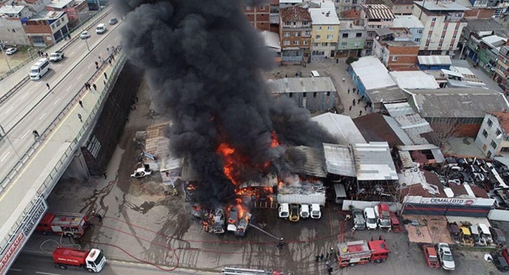 Bursa'da hurdalıkta yangın