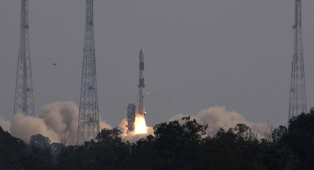 Hindistan, Brezilya'nın ilkyer gözlem uydusu 'Amazonia-1'i uzaya gönderdi.