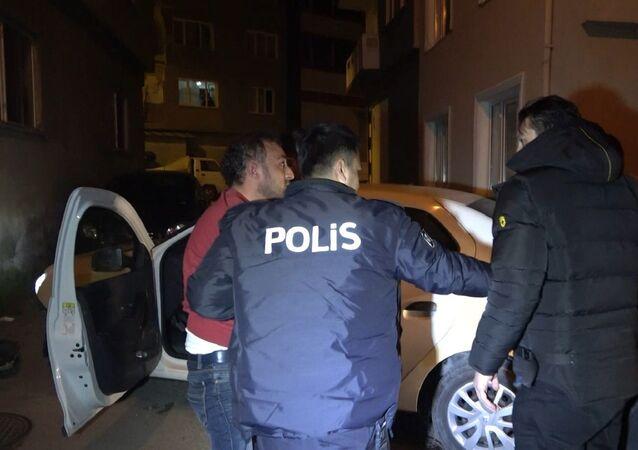 Bursa'da kısıtlamada 15 kilometrelik kovalamaca sonucu yakalanan zanlı