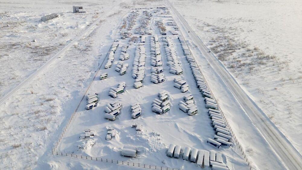 Bölgede yaşanan aşırı soğuklar, eksi 50 dereceye kadar düşen hava sıcaklığı ve işsizlik göçü tetikledi.