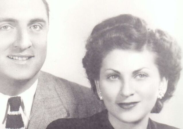 MyHeritage tarafından geliştirilen Deep Nostalgia, video canlandırma yoluyla eski fotoğrafları hareketli hale getiriyor, hatta fotoğraflardaki kişileri gülümsetiyor.
