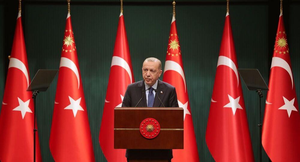 Türkiye Cumhurbaşkanı Recep Tayyip Erdoğan, Cumhurbaşkanlığı Kabine Toplantısı'nın ardından açıklamalarda bulundu.