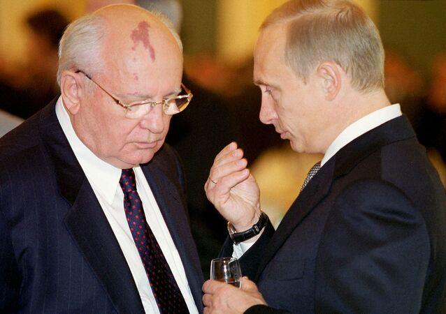 Putin ve Gorbaçov