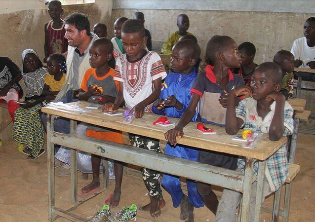 Birleşmiş Milletler Çocuklara Yardım Fonu (UNICEF), yeni tip koronavirüs (Kovid-19) salgını nedeniyle 168 milyondan fazla çocuğun yüz yüze eğitim alamadığını bildirdi.