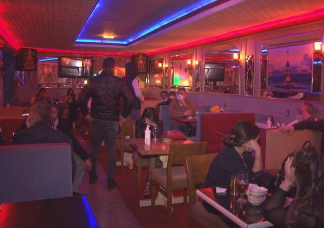İzmir'in Konak ilçesinde, gece kulübüne baskın