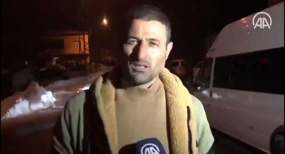 Köylülerden Davut Bikeç,helikopterdüştüğü haberini alır almaz diğer köylülerle bölgeye giderek yaralılara yardımcı olmaya çalıştıkları anları AA muhabirine anlattı.
