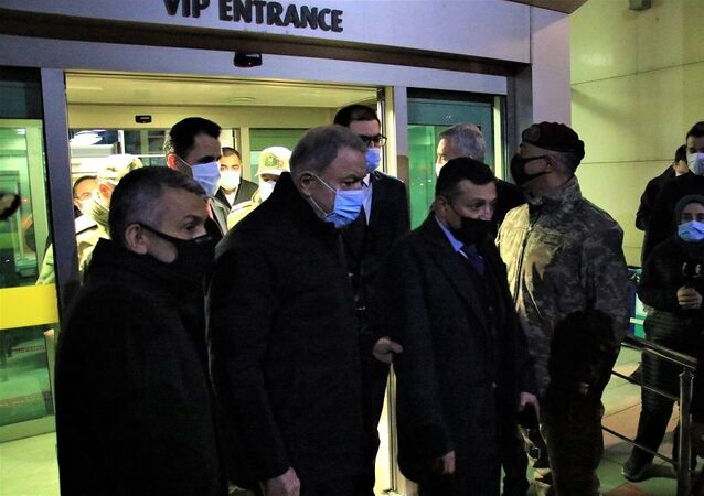 Milli Savunma Bakanı Akar Elazığ'da
