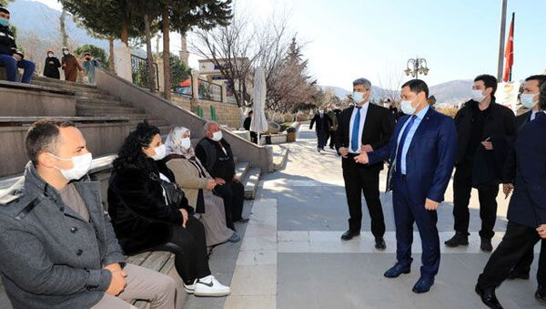 Amasya Valisi vatandaşları maske ve mesafe konusunda uyardı - Sputnik Türkiye