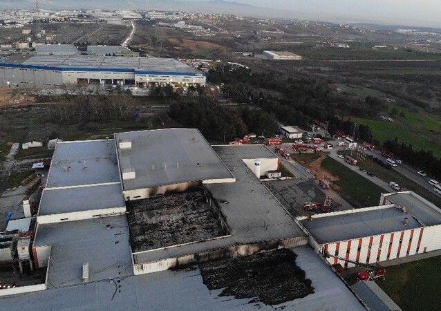 Tuzla'da yanan et fabrikası