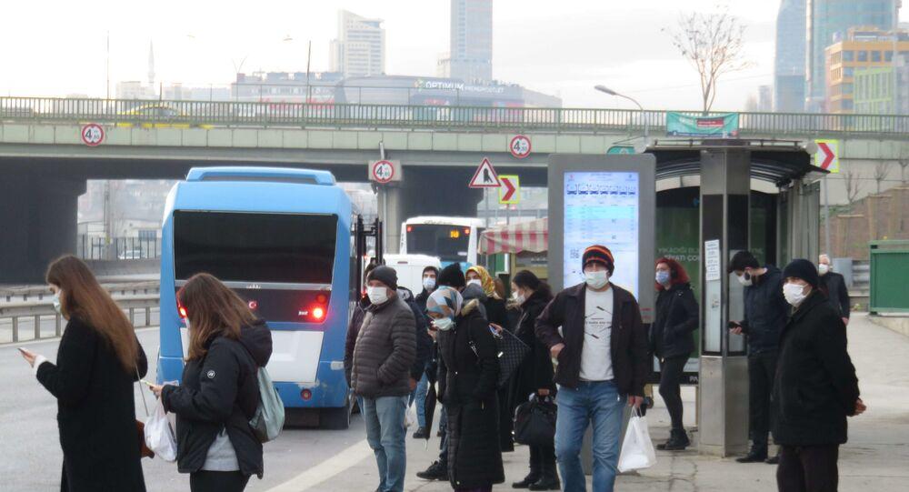 İstanbul'da kısıtlamasız ilk cumartesi - durak - koronavirüs