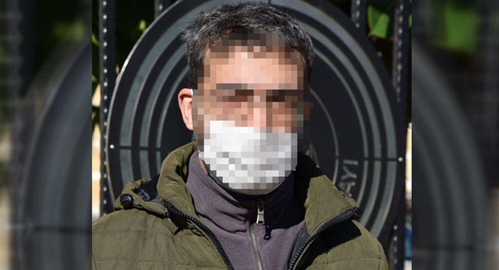 Antalya'da web sayfası tasarımcısı Nihat Umut K., kurduğu internet sitesi aracılığıyla 102 kişiyi dolandırdığı suçlamasıyla 155 yıl hapis cezası aldı. Ancak mahkeme, hükmün açıklanmasının geri bırakılmasına karar verdi. Nihat Umut K., 5 yıl içinde herhangi bir suçtan 1 gün bile ceza alması halinde 155 yıl hapis yatacak.