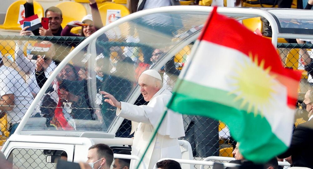 Katoliklerin ruhani lideriPapaFrancis, Irak'ın Erbil kentindekiFransoHariri Stadyumu'nda düzenlenen ayine iştirak etti.