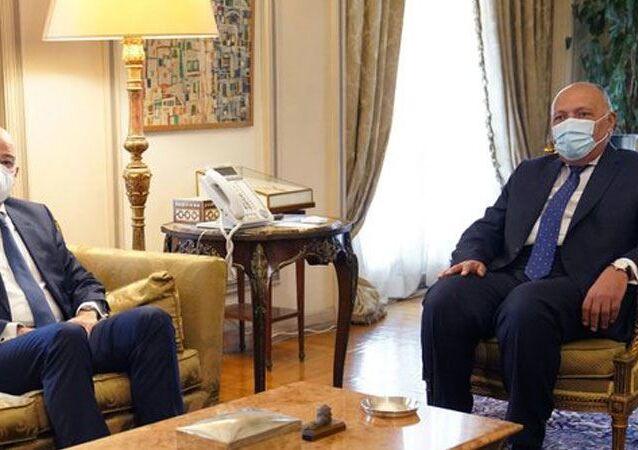 Mısır-Türkiye ilişkilerindeki ılımlı gelişmelerin ardından Yunan bakan Kahire'ye gitti