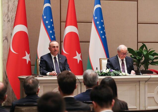Dışişleri Bakanı Mevlüt Çavuşoğlu, Özbekistan Dışişleri Bakanı Abdulaziz Kamilov