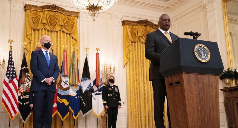 ABD Başkanı Joe Biden,  Savunma Bakanı Lloyd Austin
