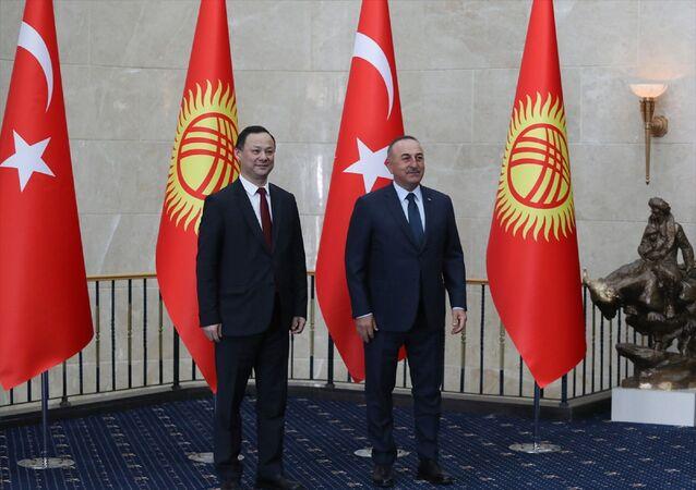 Dışişleri Bakanı Mevlüt Çavuşoğlu, Kırgızistan Dışişleri Bakanı Ruslan Kazakbayev