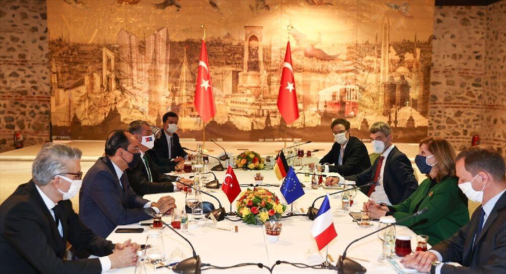 Cumhurbaşkanlığı Sözcüsü İbrahim Kalın (sol 2), Avrupa Birliği (AB) liderlerinin dış politika başdanışmanları ile bir araya geldi.
