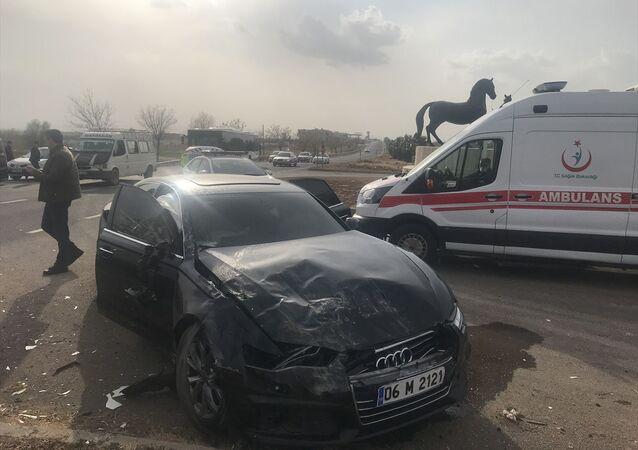 Akşener'in konvoyunda kaza: 4 kişi yaralandı