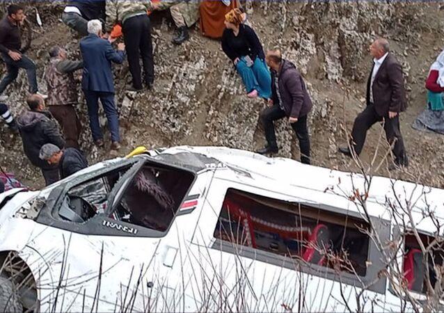 Batman'da 2 öğrencinin öldüğü kaza sonrası 4 öğretmen açığa alındı