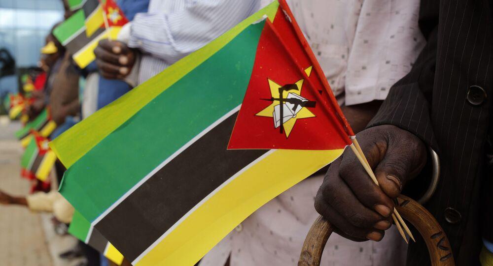 Mozambik Bayrağı
