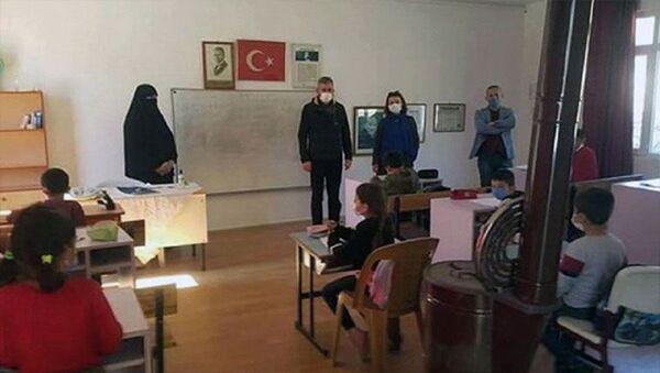 İmamın eşi - çarşafla ders - Sputnik Türkiye