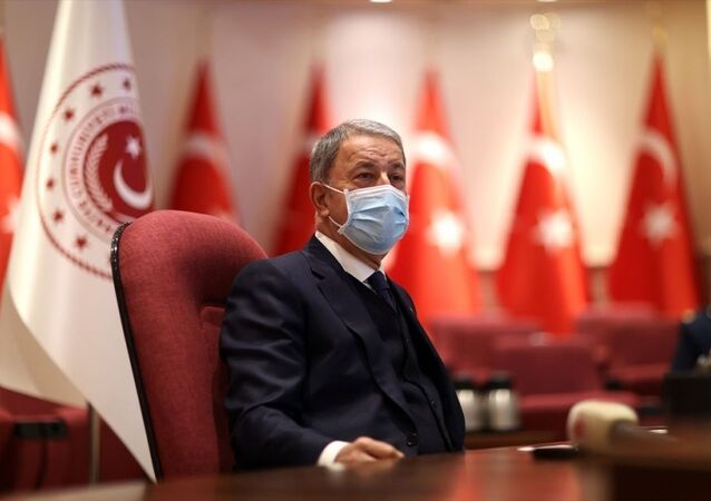 Milli Savunma Bakanı Akar, 14 Mart Tıp Bayramı dolayısıyla sağlık personeliyle bir araya geldi