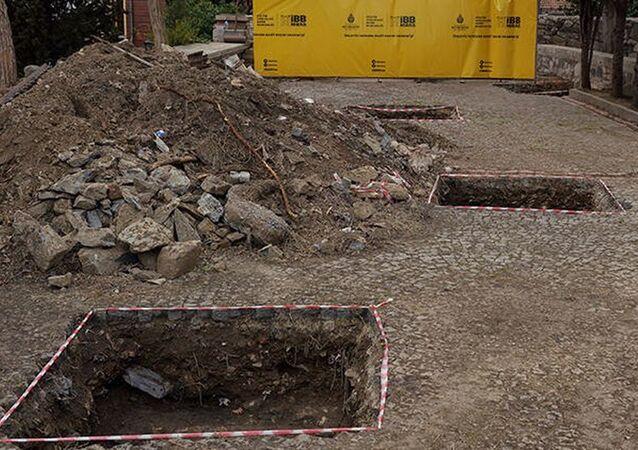 Eyüpsultan'da arkeolojik kazı: Kazıldıkça tarih çıkıyor