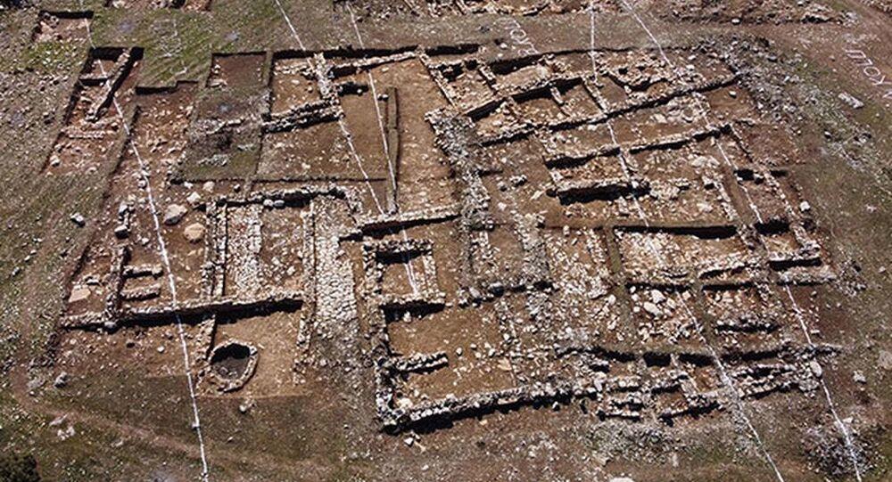 Tünel için yapılan bağlantı yolu çalışmasında 2 bin yıllık yerleşim bulundu: Güzergah kaydırılacak